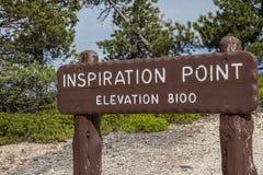 Sinal de madeira no ponto da inspiração em Bryce Canyon Foto de Stock