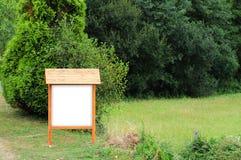 Sinal de madeira vazio Foto de Stock Royalty Free