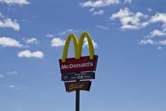 Sinal de McDonalds Fotografia de Stock