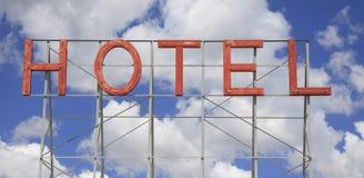 Sinal de néon clássico do hotel fotografia de stock