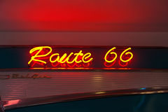 Sinal de néon da rota 66 Fotografia de Stock