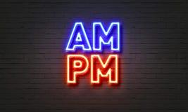 Sinal de néon de AM/PM no fundo da parede de tijolo Fotografia de Stock