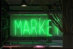 Sinal de néon do mercado imagem de stock royalty free
