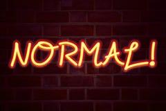Sinal de néon normal no fundo da parede de tijolo Sinal fluorescente do tubo de néon no conceito do negócio da alvenaria para o N Imagens de Stock Royalty Free