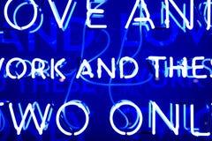 Sinal de néon azul Fotografia de Stock