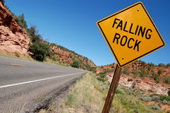 Sinal de queda da rocha Imagem de Stock