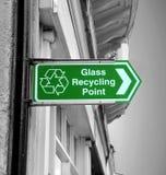 Sinal de reciclagem de vidro Foto de Stock Royalty Free