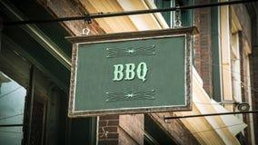 Sinal de rua ao BBQ imagem de stock
