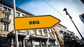 Sinal de rua ao BBQ imagens de stock royalty free