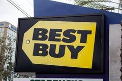 Sinal de rua de Best Buy fotografia de stock royalty free