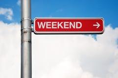 Sinal de rua - fim de semana imagem de stock royalty free
