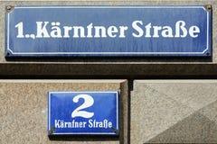 Sinal de rua de Kärntner Straße em Viena - Áustria fotografia de stock royalty free