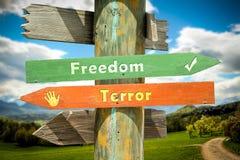 Sinal de rua ? liberdade contra o terror ilustração royalty free