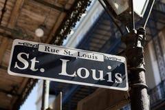 Sinal de rua Nova Orleães de St Louis imagens de stock