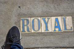 Sinal de rua real no assoalho em Nova Orleães (EUA foto de stock