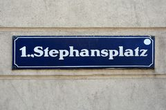 Sinal de rua de Stephansplatz em Viena - Áustria fotografia de stock