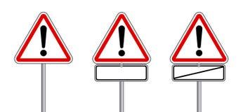 Sinal de tráfego do triângulo para advertir com espaço livre Tradução alemão: Verkehrsschilder ajustou - o texto do ohne de Achtu Foto de Stock