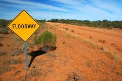 Sinal de tráfego em uma estrada rural Imagem de Stock Royalty Free