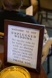 Sinal desconectado da cerimônia de casamento Fotos de Stock