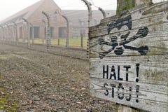 Sinal do acampamento de Auschwitz Fotografia de Stock