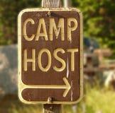 Sinal do anfitrião do acampamento Fotos de Stock Royalty Free