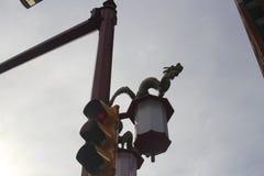 Sinal do bairro chinês de Vancôver com dragão Fotos de Stock Royalty Free