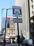 Sinal do começo da rota 66, Chicago Imagem de Stock Royalty Free