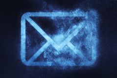 Sinal do correio, símbolo do correio Fundo abstrato do céu noturno Foto de Stock Royalty Free