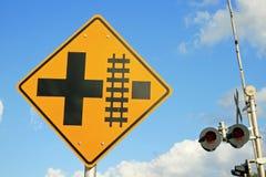 Sinal do cruzamento de estrada de ferro imagem de stock royalty free