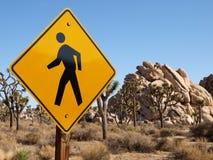 Sinal do cruzamento de pedestre do deserto Foto de Stock