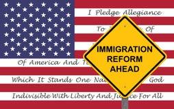 Sinal do cuidado - fundo da bandeira da reforma de imigração Fotografia de Stock