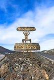 Sinal do diabo pelo parque nacional de Timanfaya da entrada em Lanzarote Foto de Stock