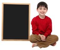 Sinal do espaço em branco do menino de escola com trajeto de grampeamento imagem de stock royalty free