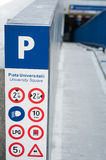 Sinal do estacionamento de Universitate Foto de Stock