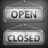 Sinal do ferro que pendura fechado aberto Imagens de Stock Royalty Free