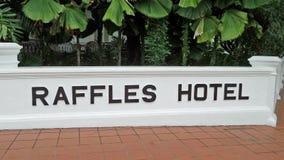 Sinal do hotel de Raffels Fotografia de Stock Royalty Free