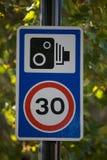 Sinal do limite de velocidade Imagens de Stock