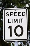 Sinal do limite de velocidade - 10 Imagem de Stock Royalty Free