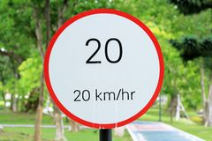 Sinal 20 do limite de velocidade Imagens de Stock Royalty Free