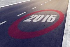 sinal do limite de velocidade 2016 na estrada Foto de Stock Royalty Free