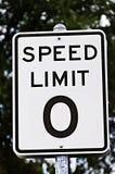 Sinal do limite de velocidade zero Fotografia de Stock