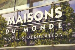 Sinal do logotipo da loja de Maisons du Monde Imagem de Stock