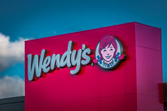 Sinal do logotipo do restaurante do fast food de Wendys Fotografia de Stock