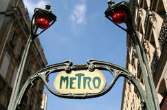 Sinal do metro, Paris, France Imagens de Stock Royalty Free
