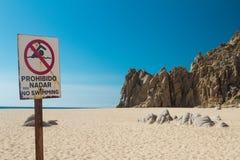 Sinal do oceano da praia imagem de stock royalty free