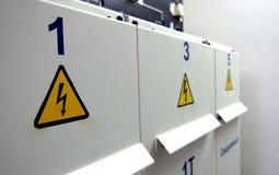 Sinal do perigo da eletricidade foto de stock royalty free
