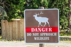 Sinal do perigo dos animais selvagens Foto de Stock Royalty Free