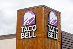 Sinal do restaurante de Taco Bell imagem de stock