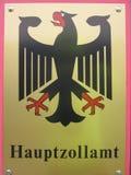 Sinal do serviço de alfândega (Hauptzollamt, Alemanha) imagem de stock royalty free