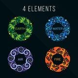 Sinal do sumário do círculo dos elementos da natureza 4 Água, fogo, terra, ar No fundo escuro Imagens de Stock